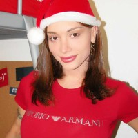 SHEMALE Mariana Cordoba is a hot T-girl babe this holiday season