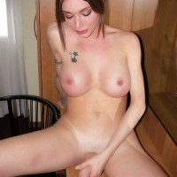 TRANSGIRL Mariana Cordoba spreads her starfish wide for your penis