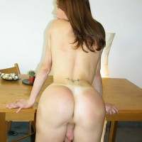 Naughty transsexual Mariana Cordoba fingers her booty